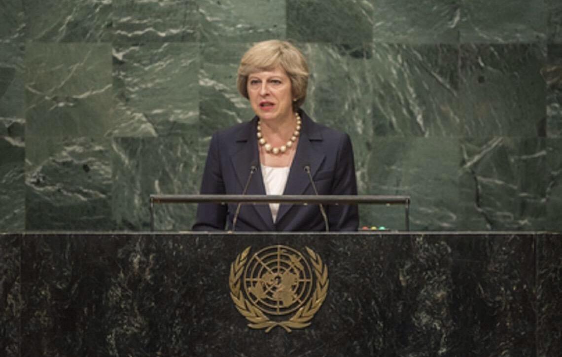 Theresa May deve se demitir se 'brexit' for rejeitado, diz líder da oposição