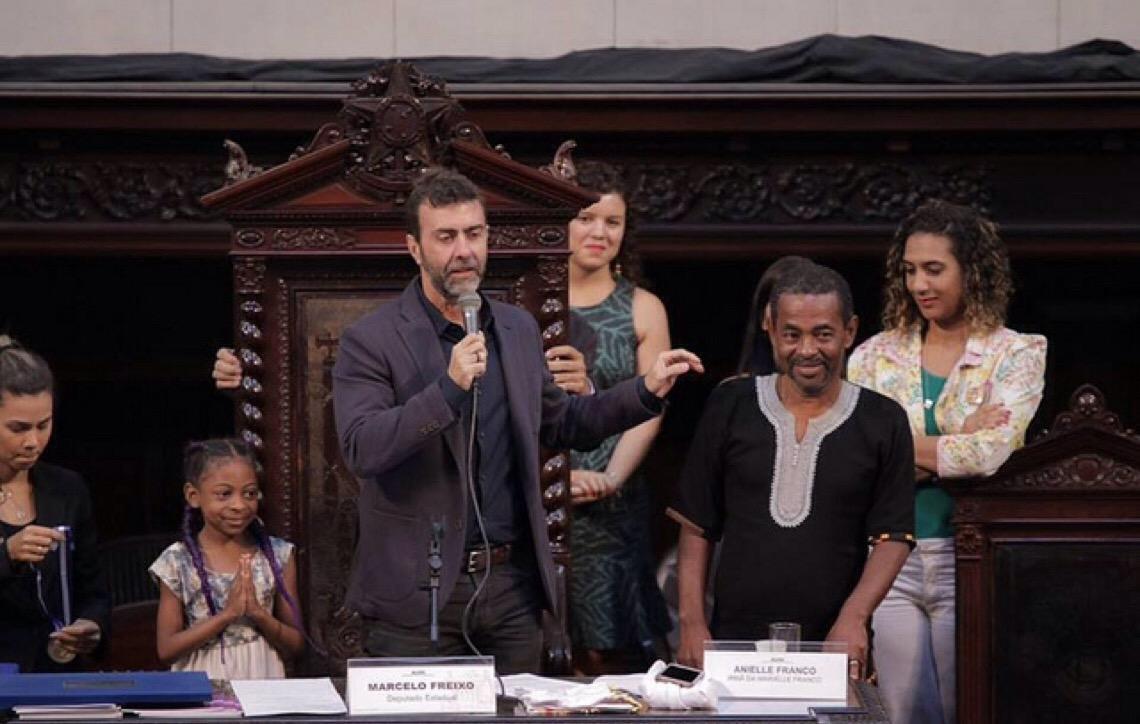 """""""A lei não pode permitir que grupos violentos dominem a vida das pessoas"""", diz Marcelo Freixo"""