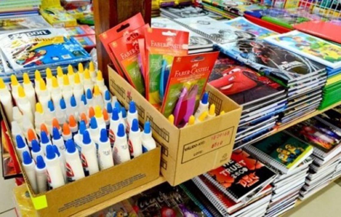 Material escolar fica 10% mais caro em Brasília