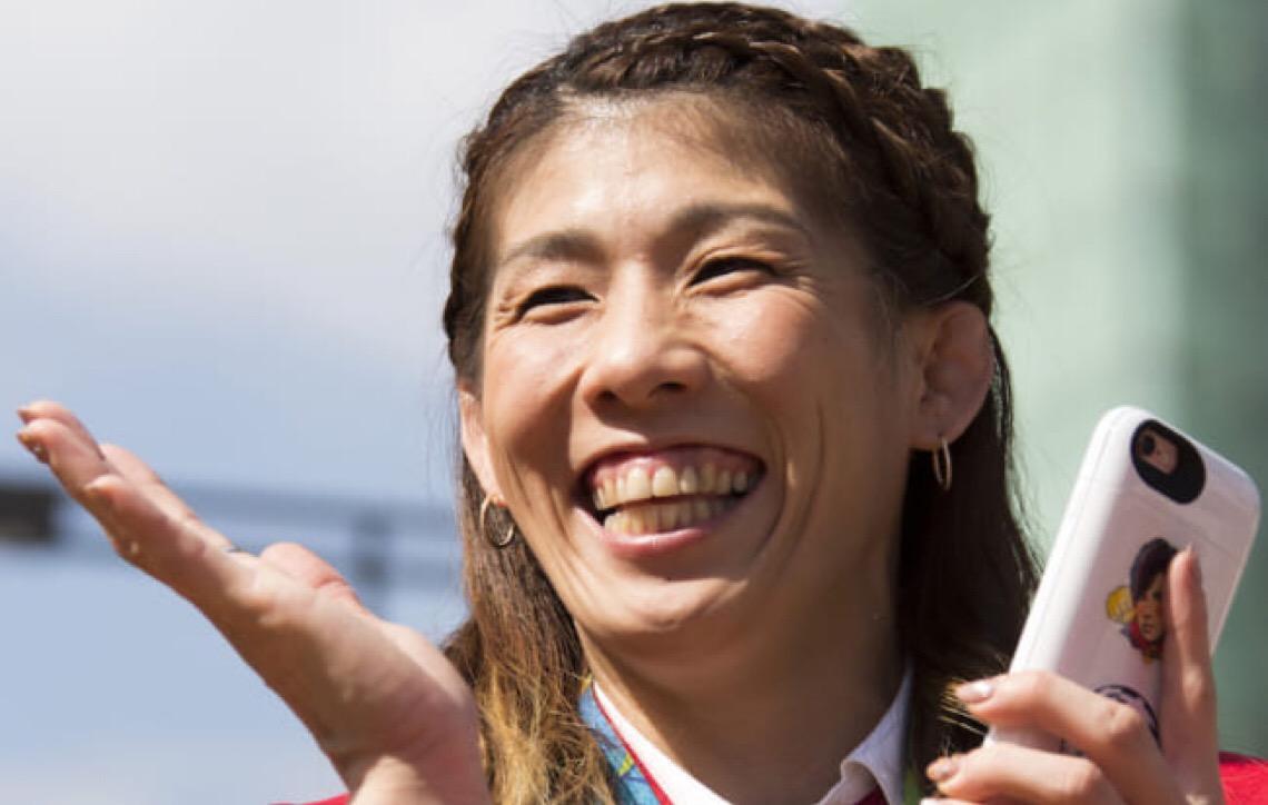 Saori Yoshida, tricampeã olímpica de luta livre anuncia aposentadoria dos ringues