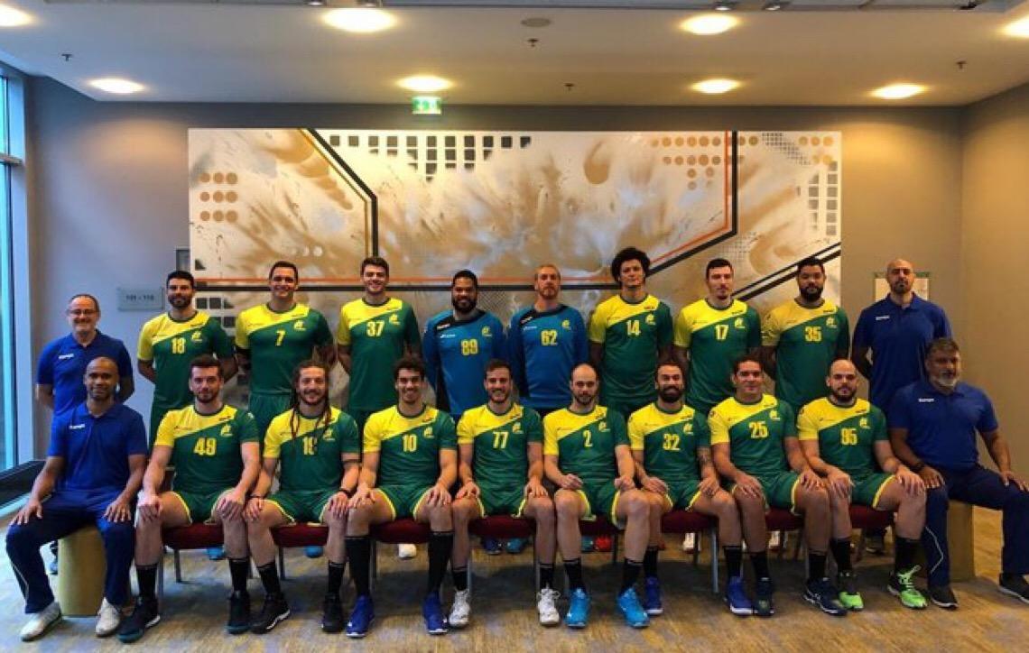 De uniforme novo, seleção masculina de handebol estreia no Mundial nesta sexta