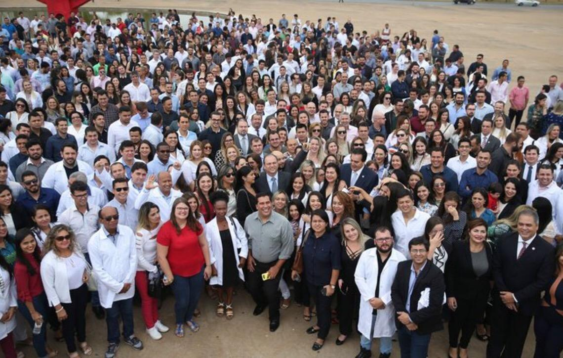 Justiça nega a cubano escolha de cidade prioritária em edital dos Mais Médicos