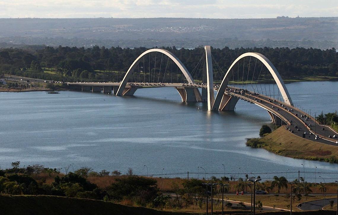 Orla do Lago Paranoá não será urbanizada, diz Ibaneis: 'Preservação, não ocupação'