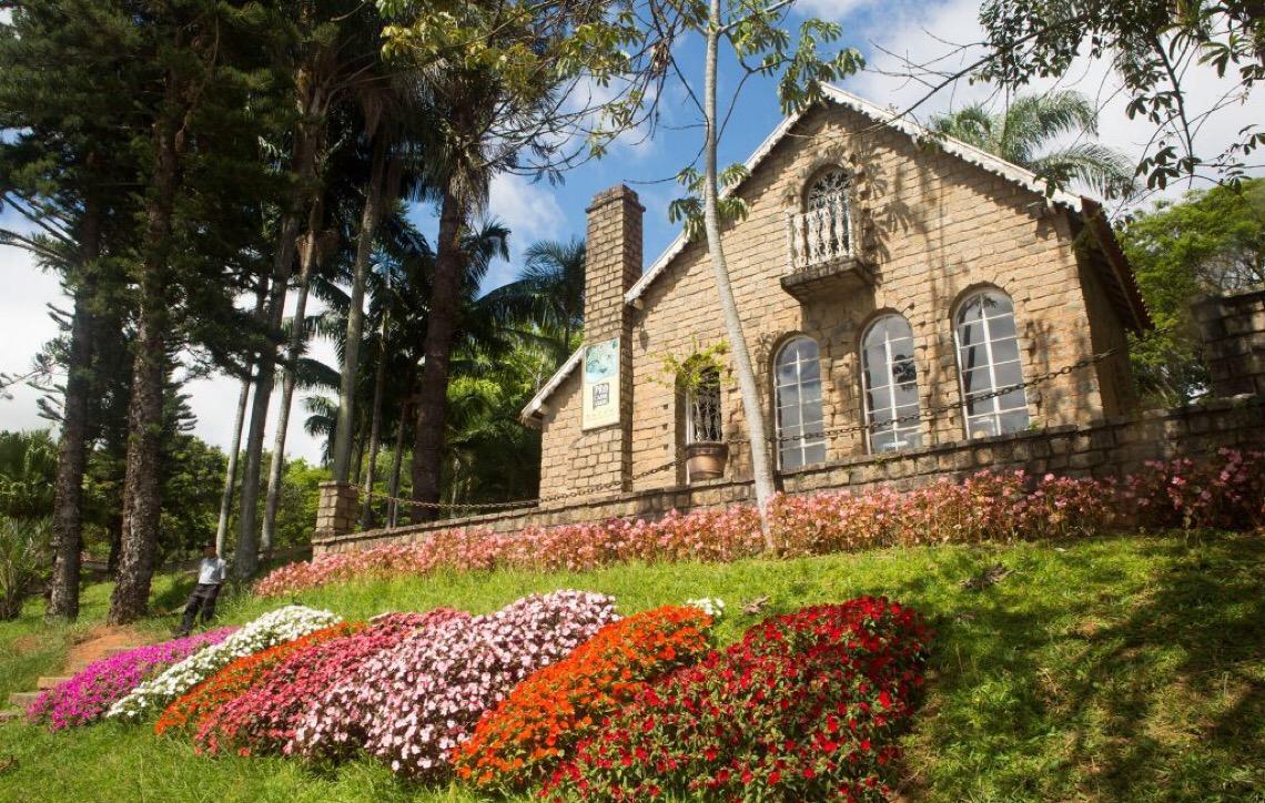 Atibaia. A cidade das flores e dos morangos no Brasil