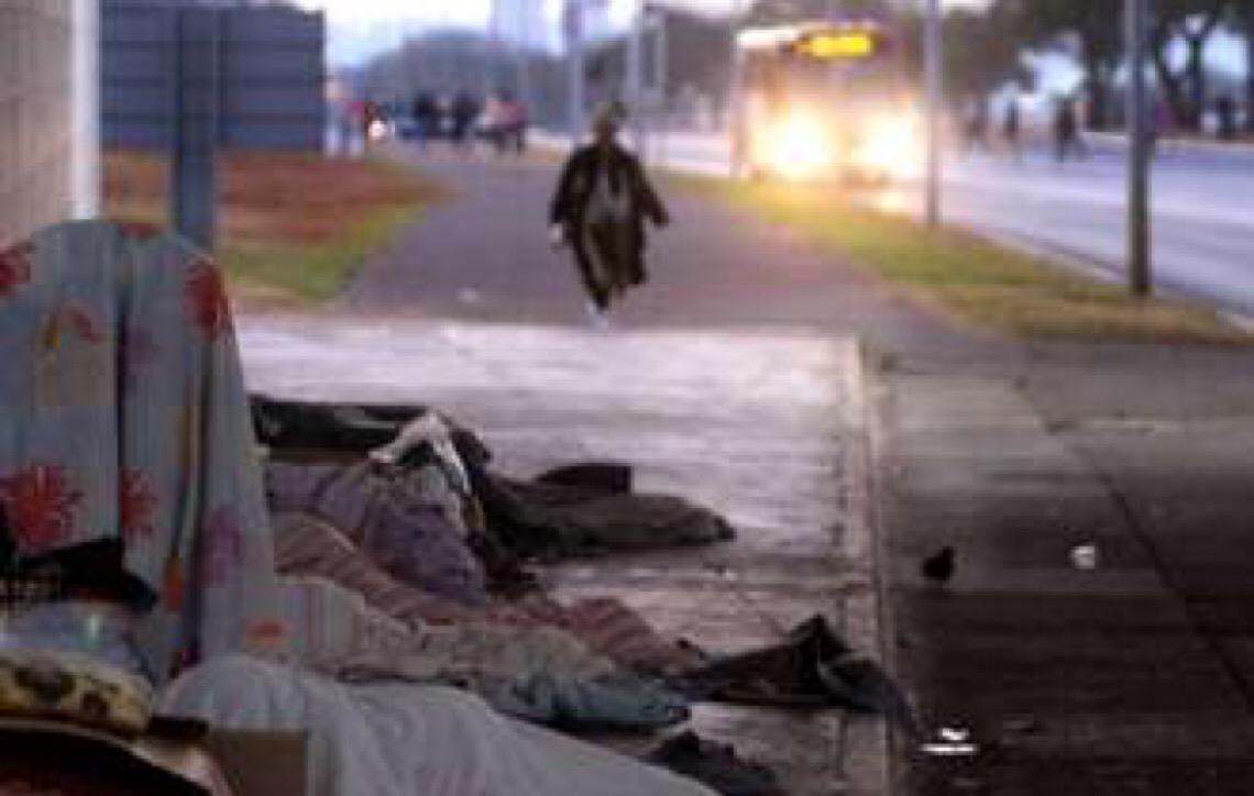 Brasília tem 3 mil moradores de rua; concentração maior é na área central da capital