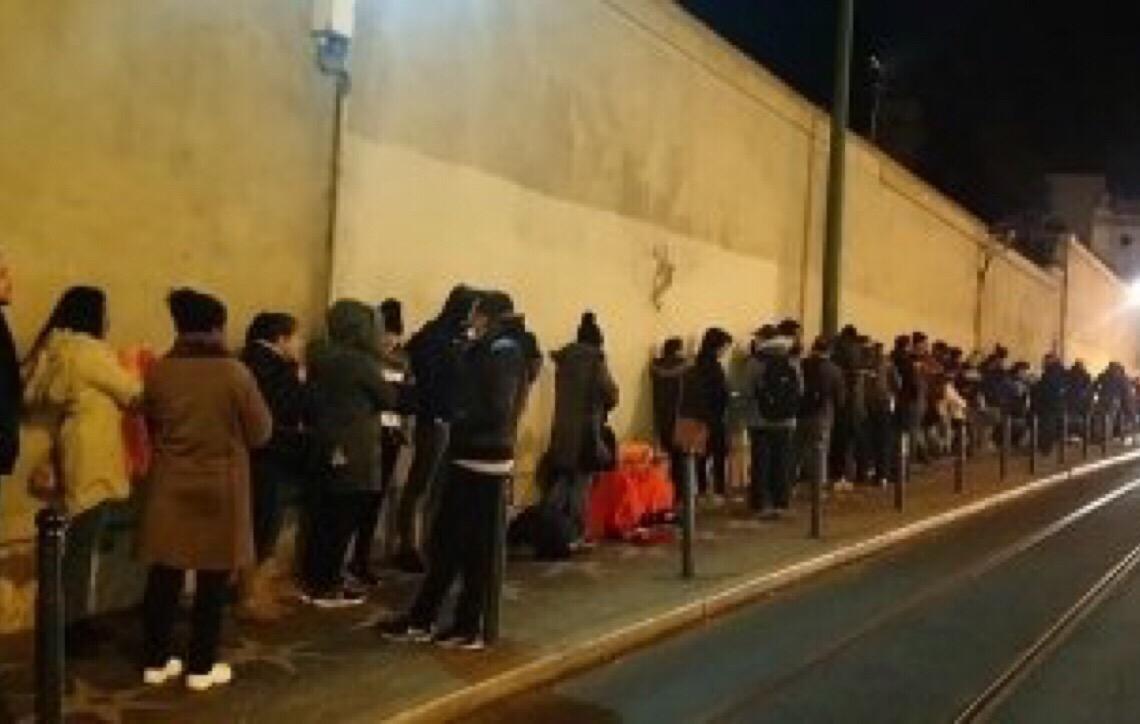 Com alta migração de brasileiros, consulado em Lisboa tem filas