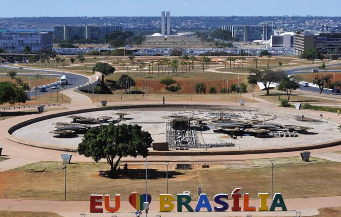 Turismo político vira aposta para atrair visitantes à capital do Brasil