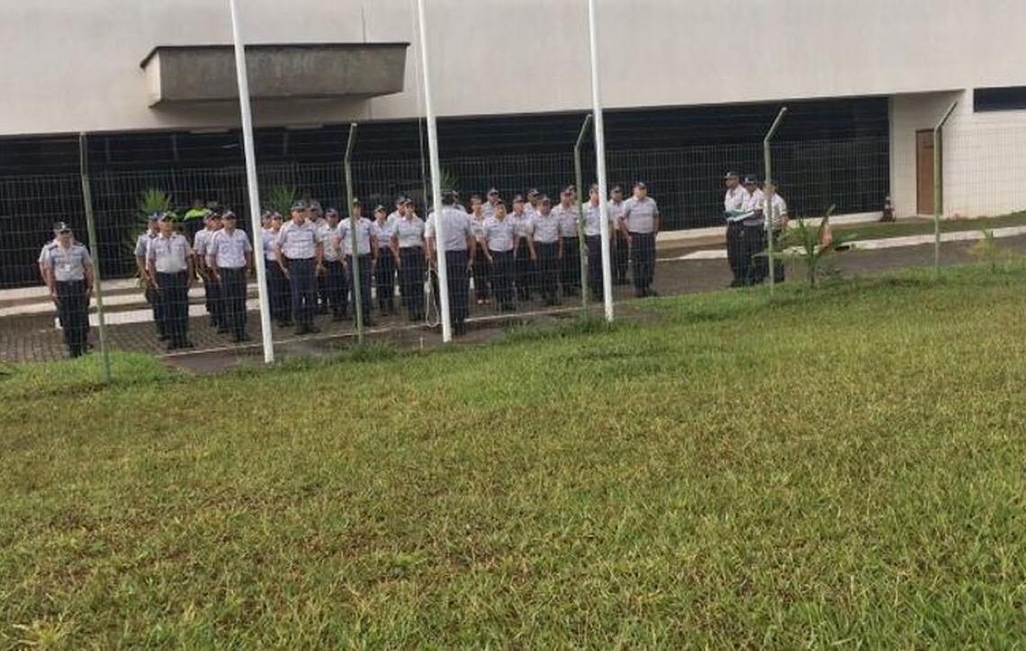 Polícia 'secreta' do DF continua vestindo farda