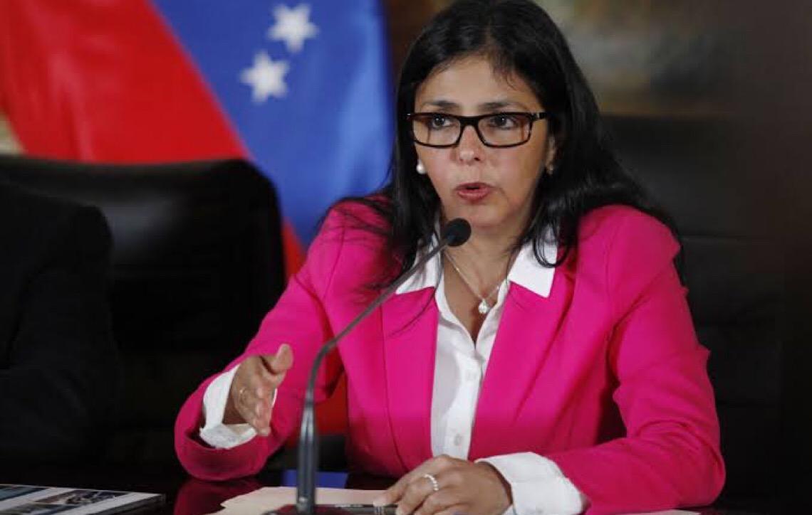 Vice-presidente da Venezuela Delcy Rodríguez pede reflexão a Guaidó: 'Deixe de loucura'