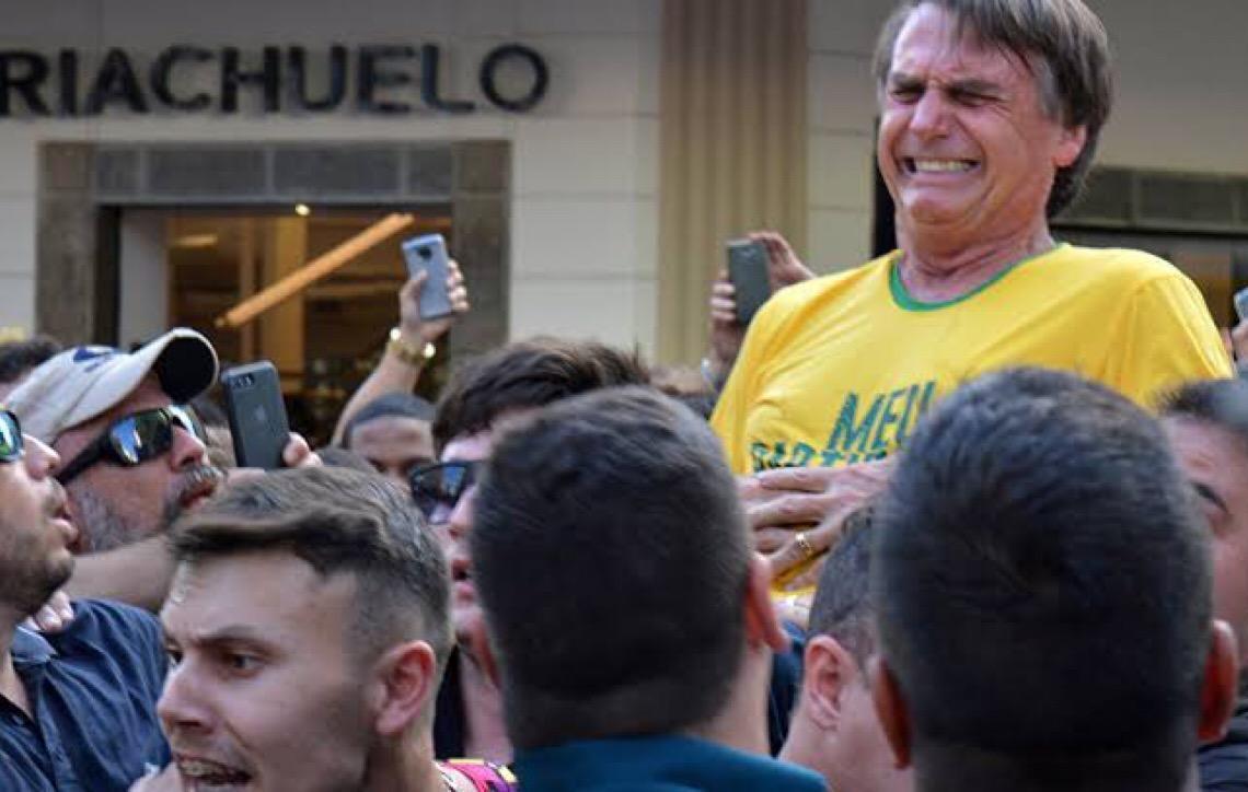 Presidente Jair Bolsonaro pede que PF esclareça ataque a faca que sofreu na campanha
