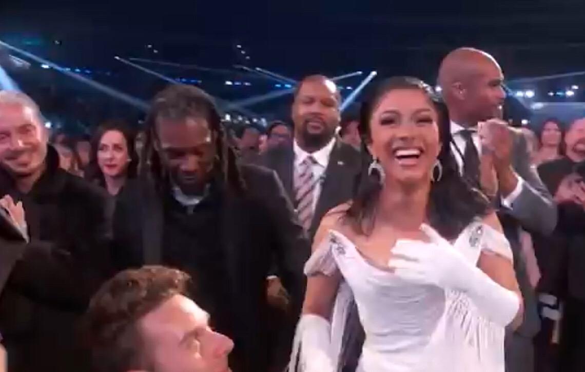 Cardi B é 1ª mulher a ganhar Grammy de Melhor Álbum de Rap
