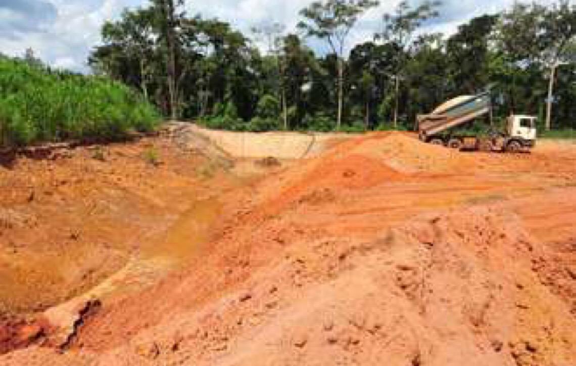 Reportagem flagra atividade em área interditada de mineradora em Brumadinho