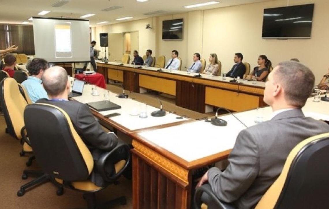 Aplicativo permite que comunidade avalie e faça reclamações sobre escolas municipais e estaduais de Goiás