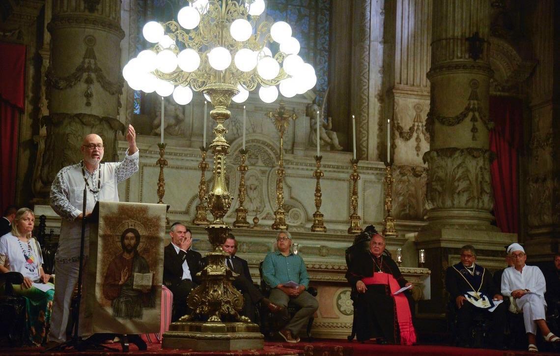 Ato na Igreja da Candelária lembra vítimas de tragédias recentes no país