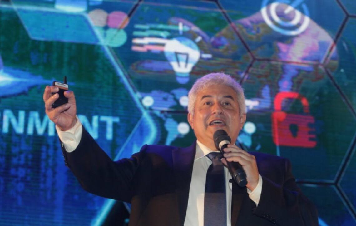 Precisamos de empreendedores que ajudem o Brasil', diz ministro Marcos Pontes