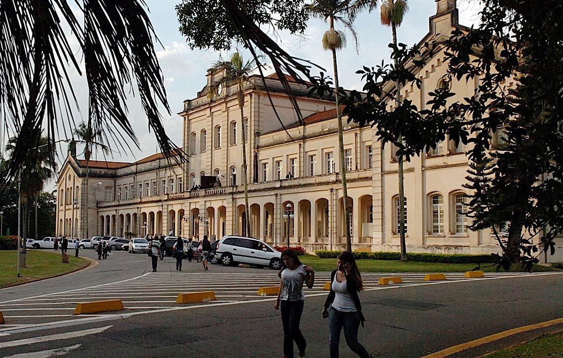 USP cancela matrículas de estudantes aprovados pelo Sisu que estudaram em colégios militares