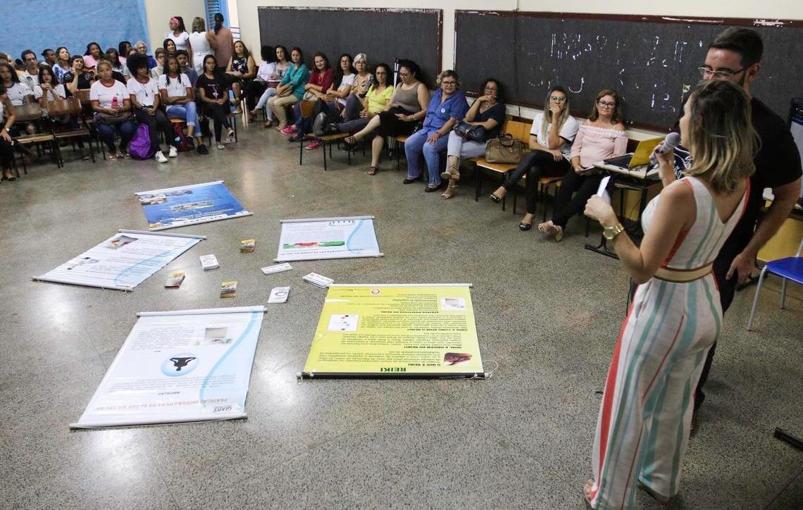 Escola pública de Brasília atua para prevenir depressão e automutilação