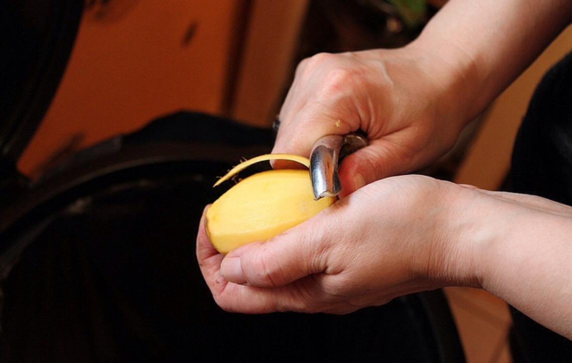 Aprenda como utilizar a casca da batata de forma saborosa