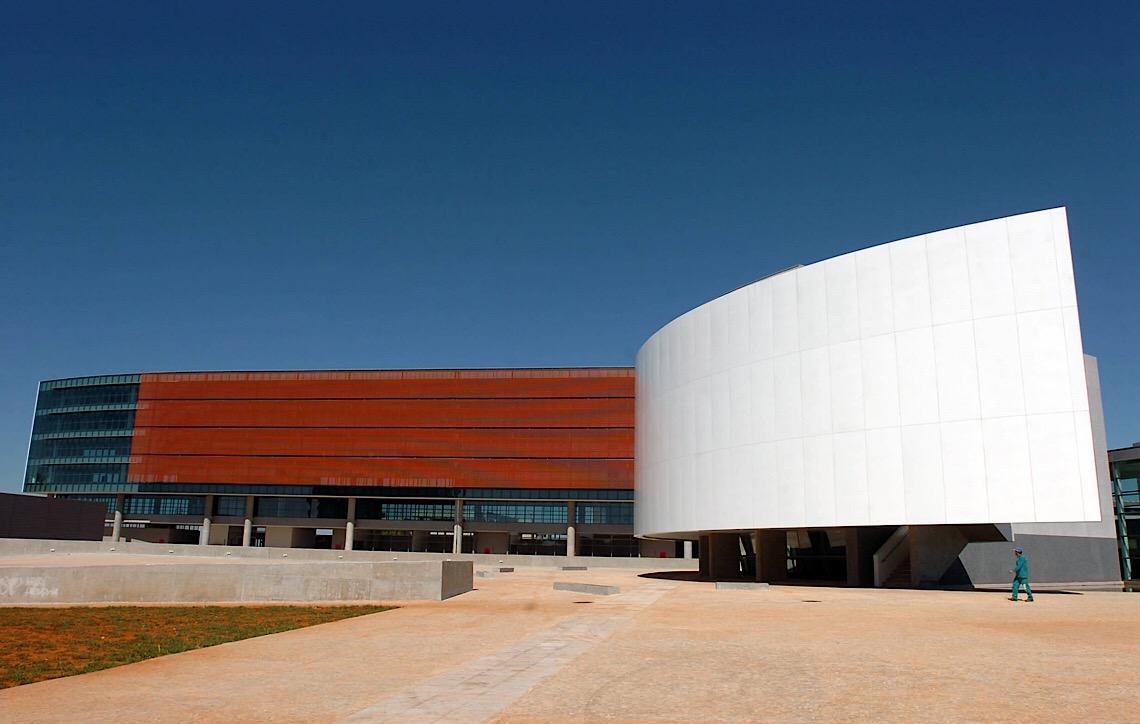 Distritais em Brasília gastam quase R$ 60 mil com verba indenizatória em janeiro