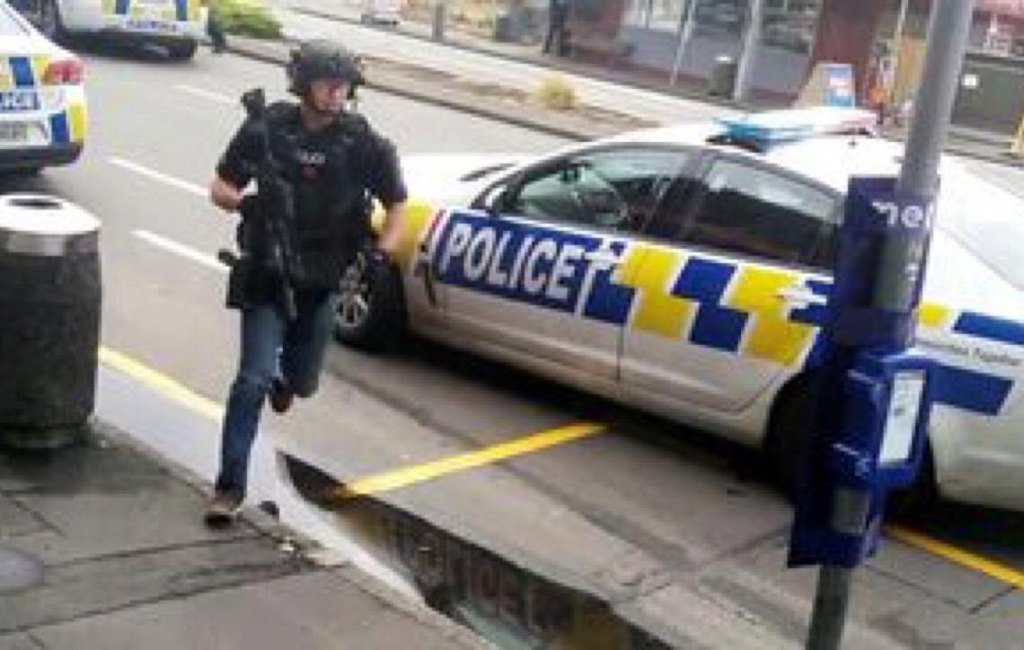Ataques a duas mesquitas na Nova Zelândia deixam mortos e feridos