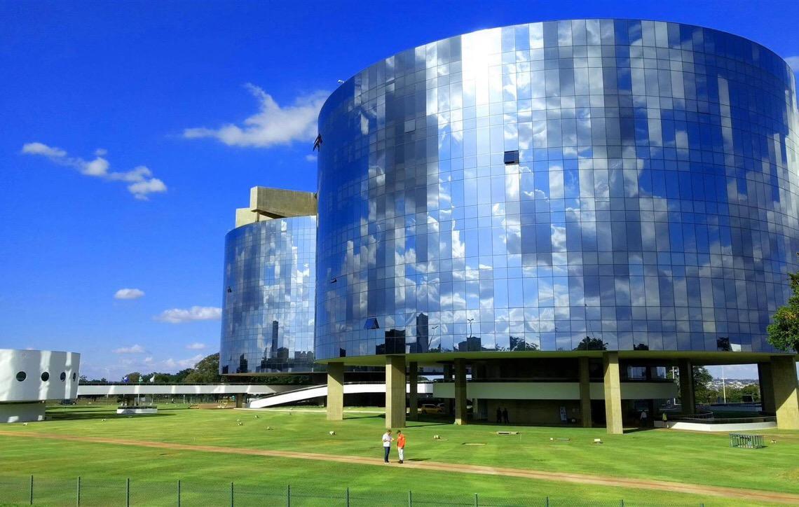 Guerra interna do Ministério Público Federal é prêmio para corruptos no Brasil