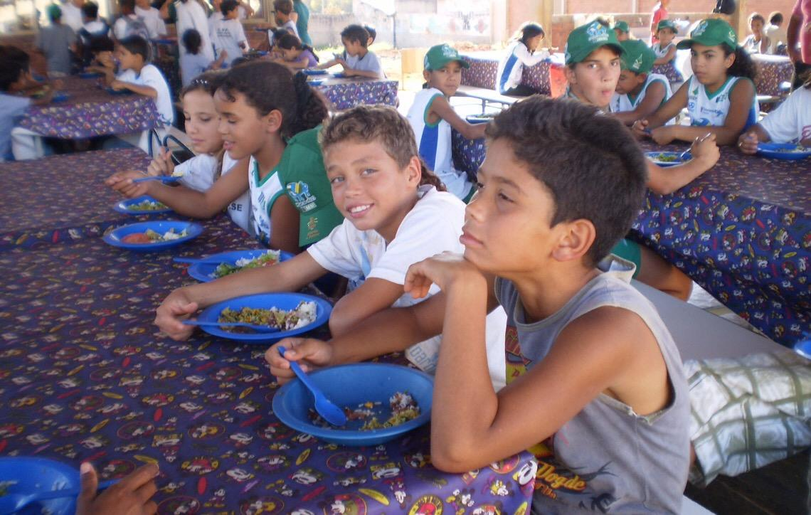 Agricultura familiar passa a entregar produtos em todas as escolas públicas de Brasília