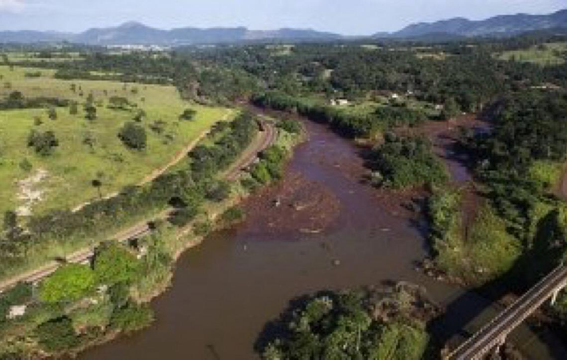 Moradores de Rio Preto, na Zona da Mata, são retirados de área próxima a hidrelétrica
