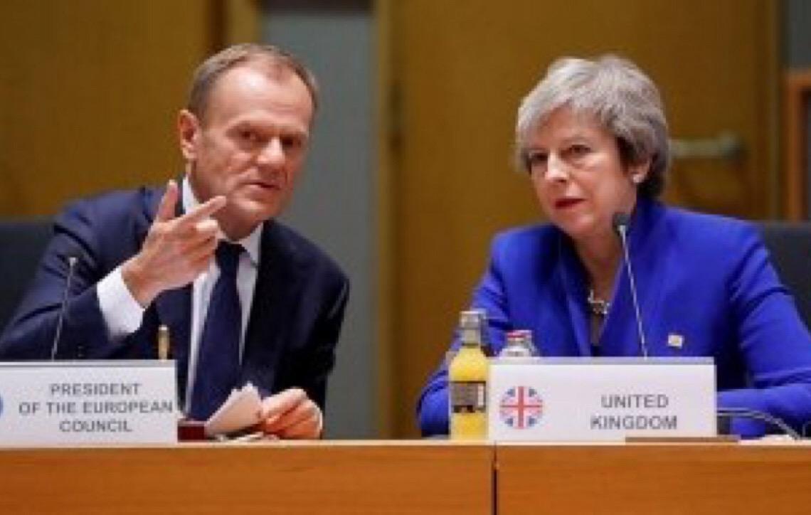 Thereza May terá de alterar acordo do Brexit para votá-lo outra vez, decide Parlamento Inglês
