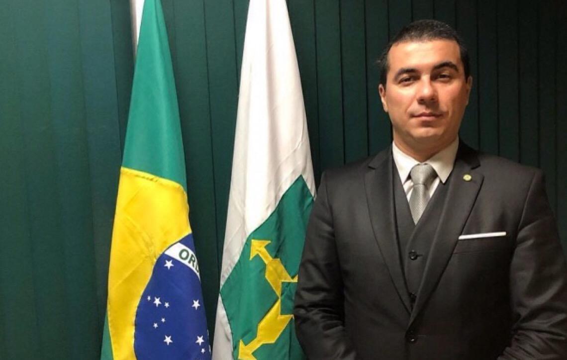 'A vítima sou eu, me roubaram', diz deputado que declarou R$ 60 mil em marmitas