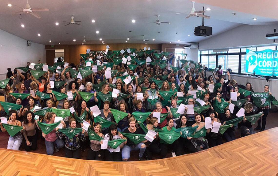 Feministas argentinas apresentarão nova versão de projeto pela legalização do aborto