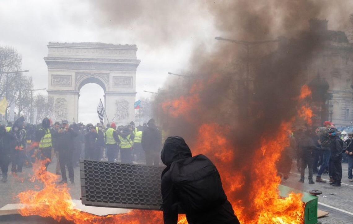 França ameaça proibir