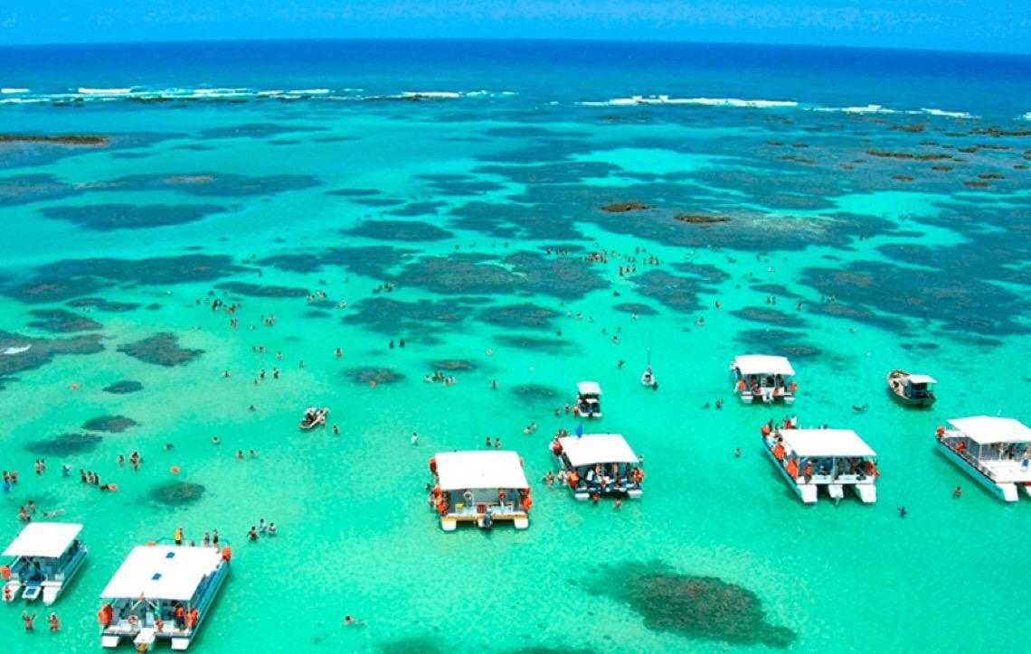 São Miguel dos Milagres. Mar, sombra e água fresca em um verdadeiro caribe brasileiro