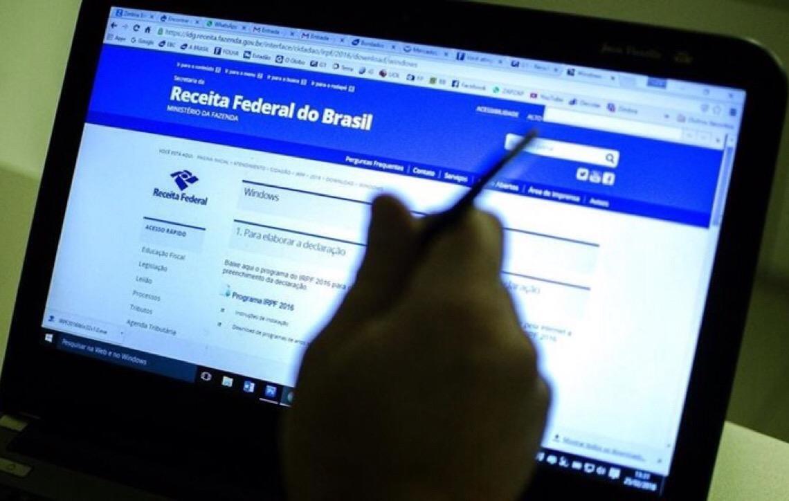 Universidade ajuda contribuintes a fazerem Imposto de Renda em Brasília
