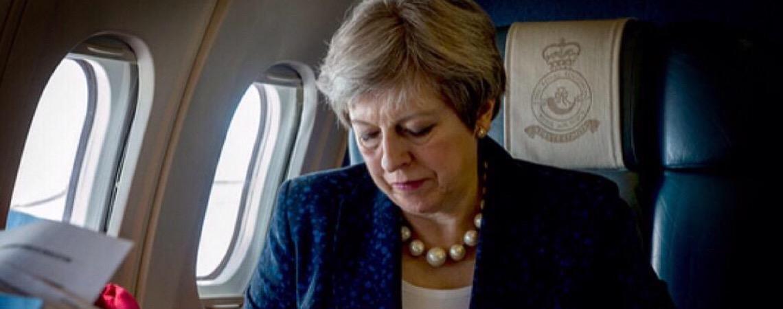 De fracasso em fracasso, futuro de Theresa May está por um fio