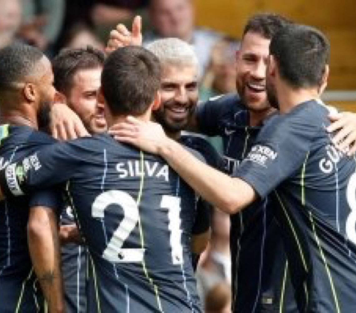Manchester City vence Fulham, ultrapassa Liverpool e assume a liderança do Inglês