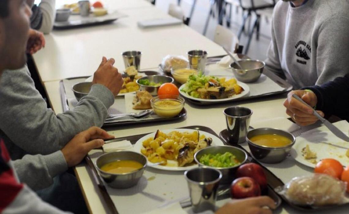 Bruxelas doa 5,5 milhões de euros a Portugal para distribuir fruta e leite nas escolas