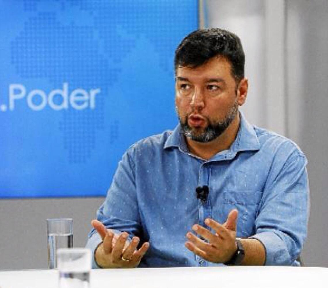 Rafael Parente. Militarização necessária de escolas