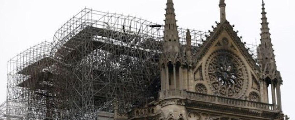 Bilionários franceses doam mais de R$ 900 milhões à reconstrução de Notre-Dame