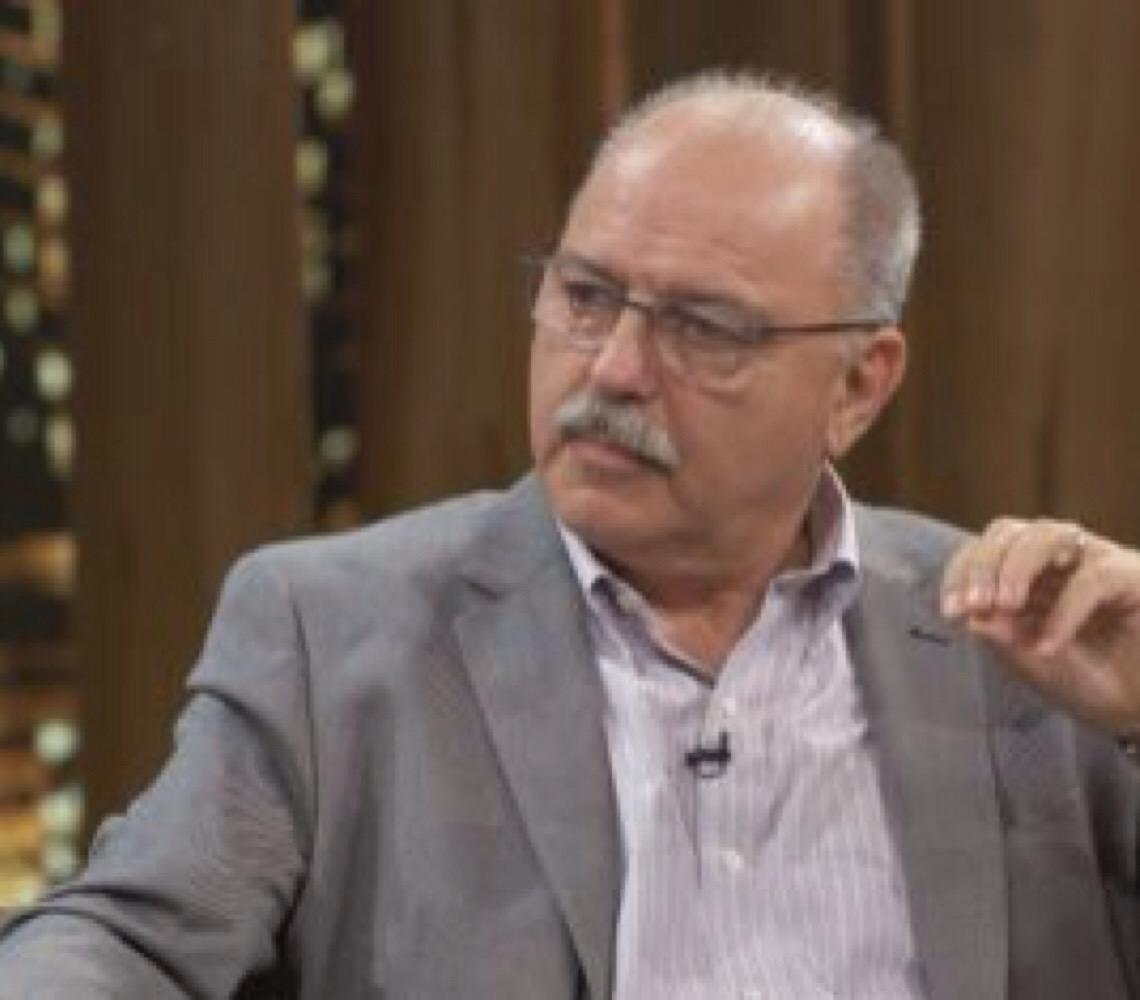 'É mais perigoso do que divertido zombar do Mourão', diz general Sérgio Etchegoyen