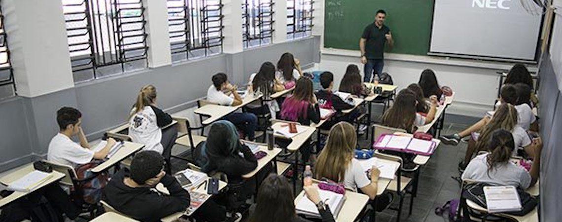 Seis em cada dez estudantes uruguaios não terminam o ensino médio