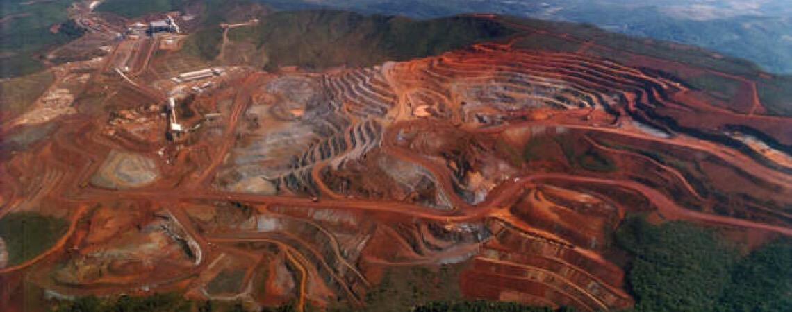 """Vale faz """"terrorismo empresarial"""" após crimes ambientais, diz pesquisadora"""