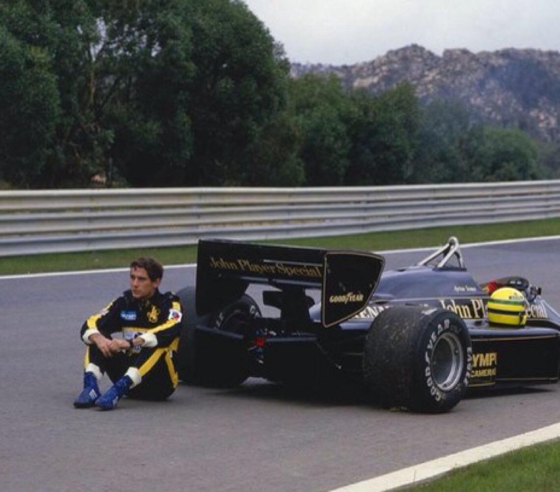Tricampeão de Fórmula 1, Ayrton Senna é memorado, além dos feitos dentro das pistas