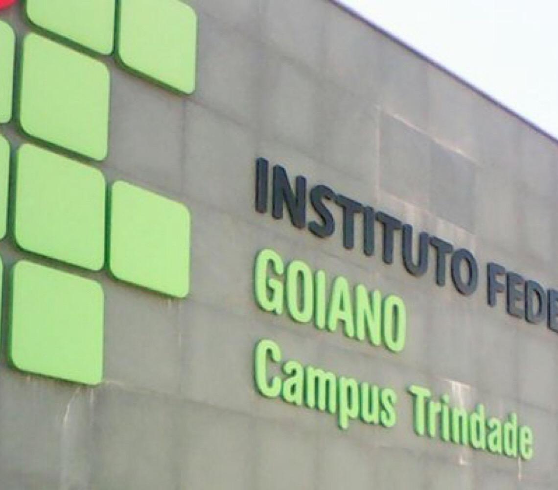 """""""Governo Federal tem dinheiro, mas mostra que Educação não é prioridade"""", diz professora em Goiás"""
