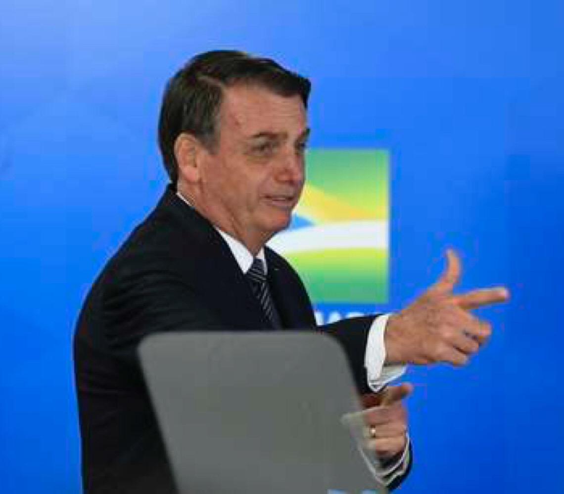 Em discurso para empresários no Rio de Janeiro, Jair Bolsonaro diz que 'o problema é a classe política'