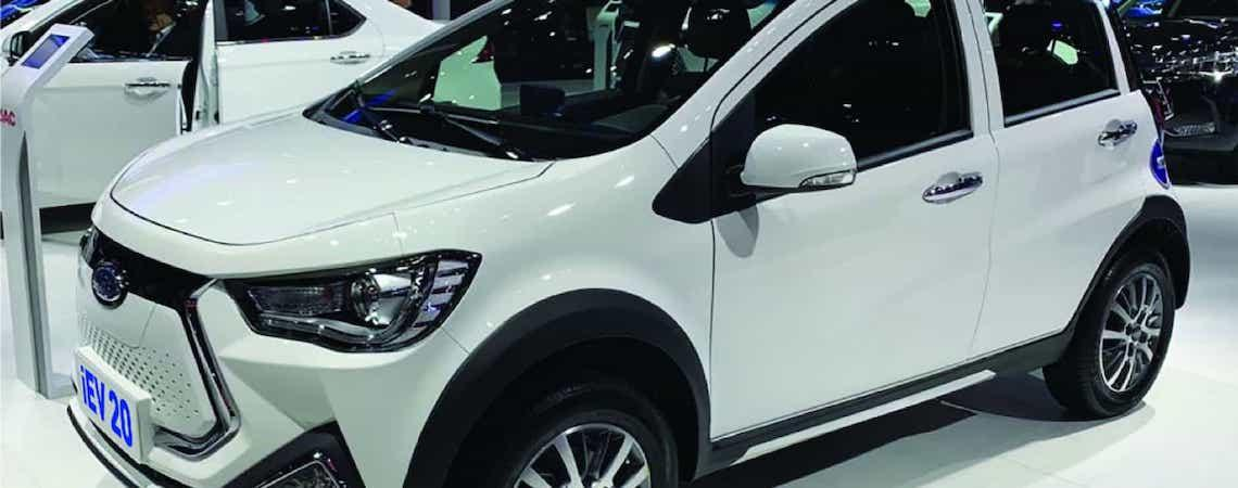 JAC lança quatro veículos elétricos no Brasil