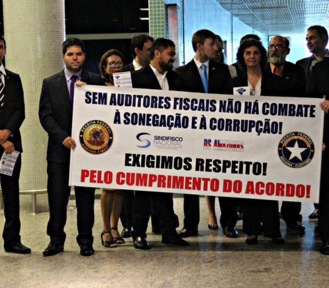 Auditores fiscais da Receita Federal lançam manifesto contra 'mordaça' na atuação da categoria
