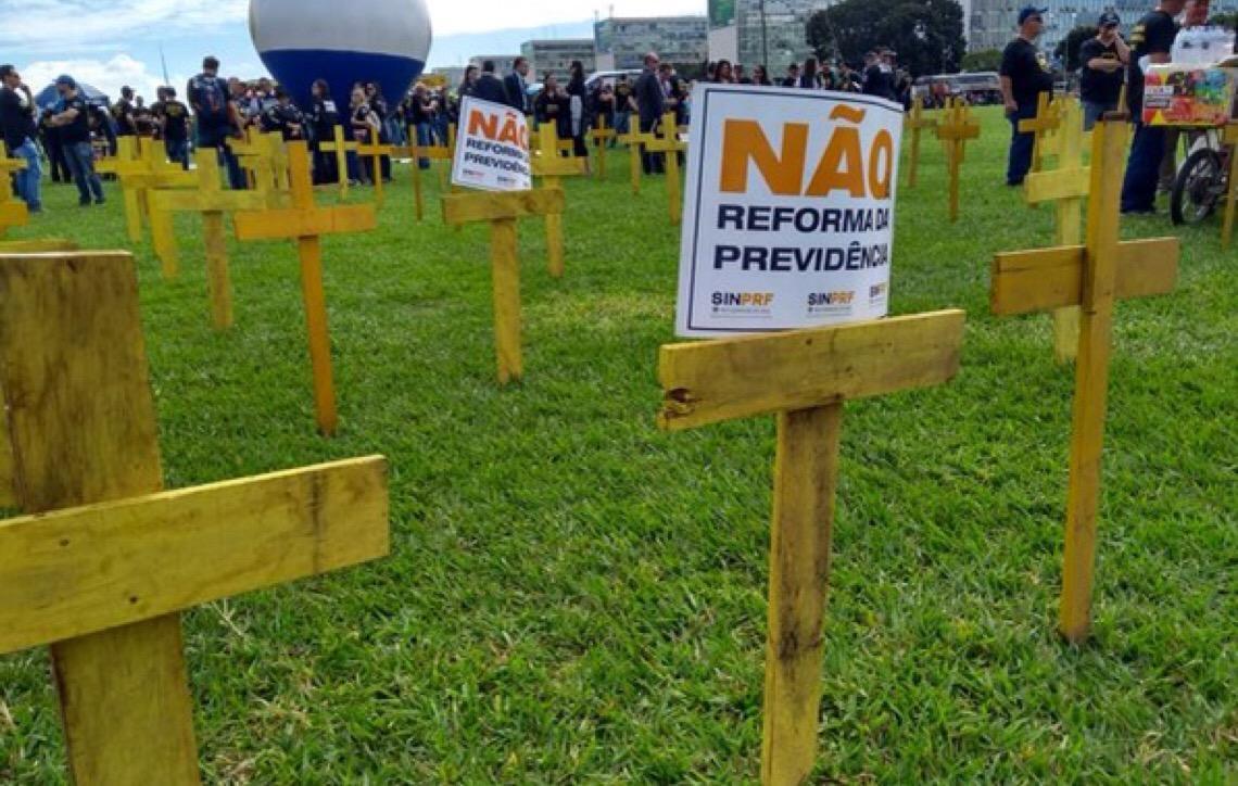 Policiais realizam manifestação em Brasília por regime diferenciado na Previdência