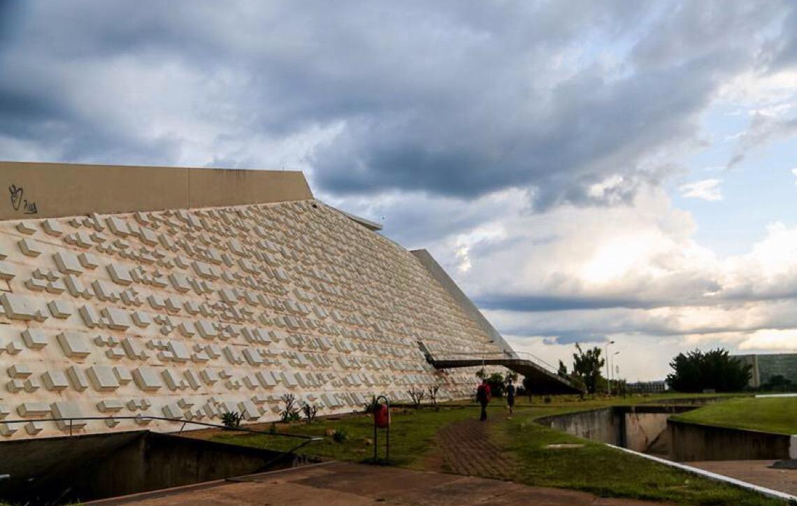 Em Brasília. MP de Contas quer anular uso de verba do FAC para reforma do Teatro Nacional