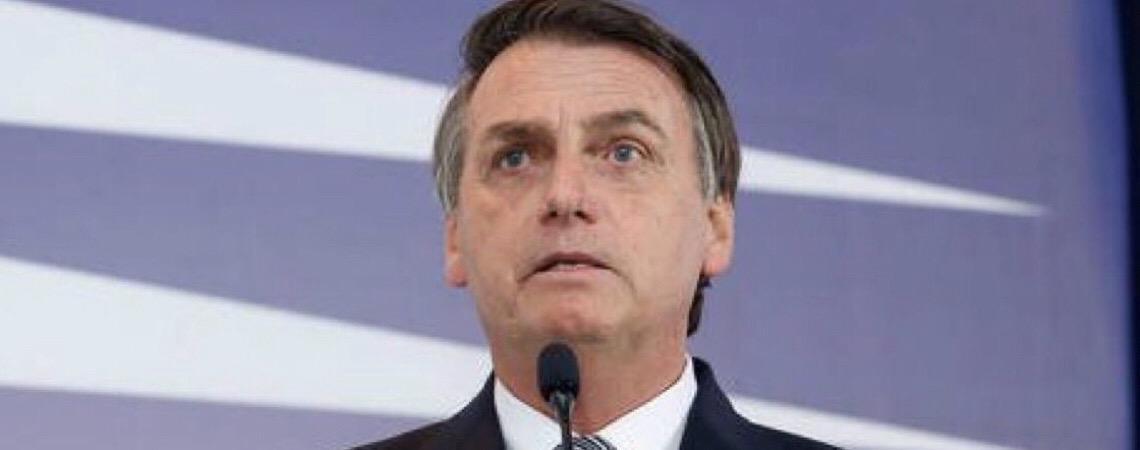 Nas entrelinhas. E Bolsonaro não desce do palanque