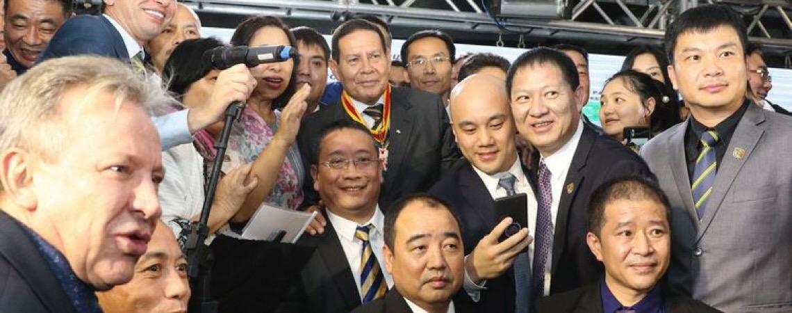 Brasil-China. Hamilton Mourão defende relação soberana com todas as nações